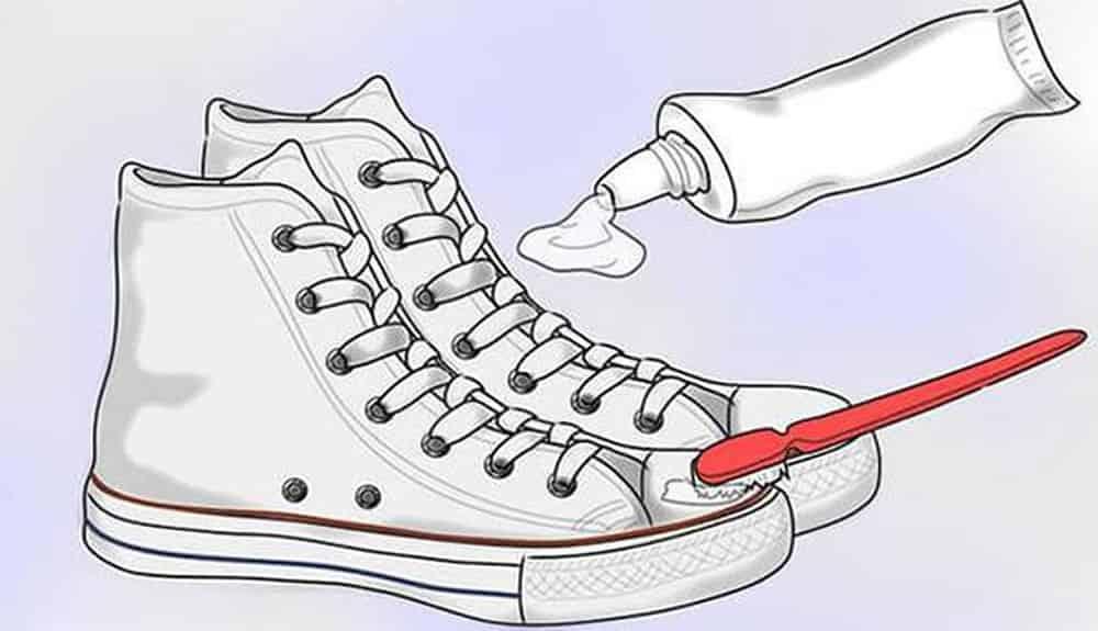 Cách Giặt Giày Thể Thao bằng kem đánh răng