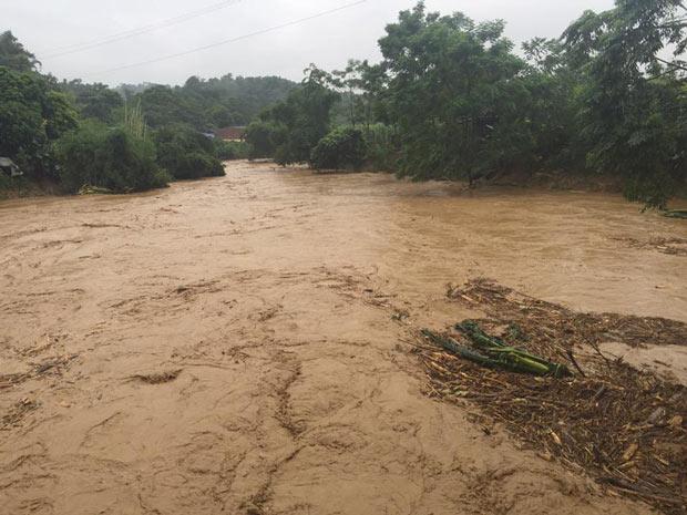 Mưa, lũ lụt nguyên nhân ô nhiễm từ tự nhiên