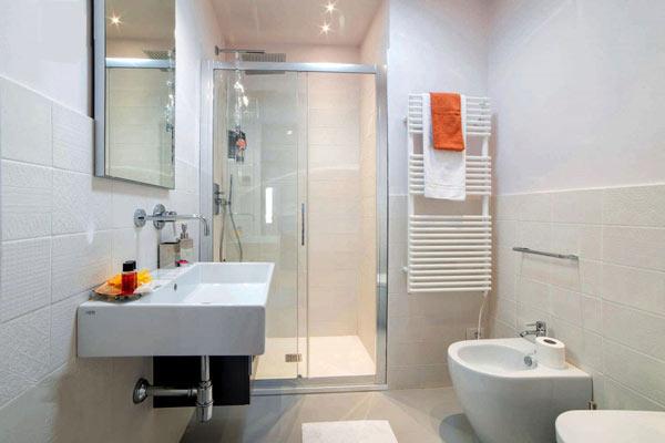 Một số lưu ý khi chọn kích thước cửa nhà vệ sinh
