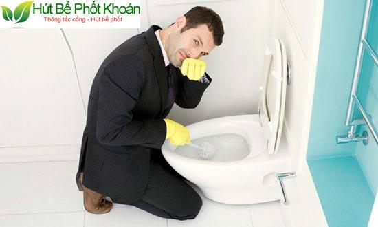 Nhà vệ sinh xuất hiện mùi hôi khó chịu